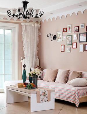 欧式别墅浪漫温馨客厅照片墙装修设计实景图
