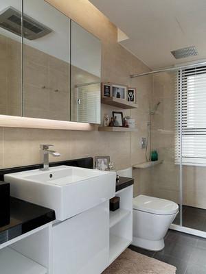 95平米现代简约风格室内卫生间玻璃隔断装修效果图