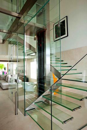 现代风格复式楼楼梯设计实景图