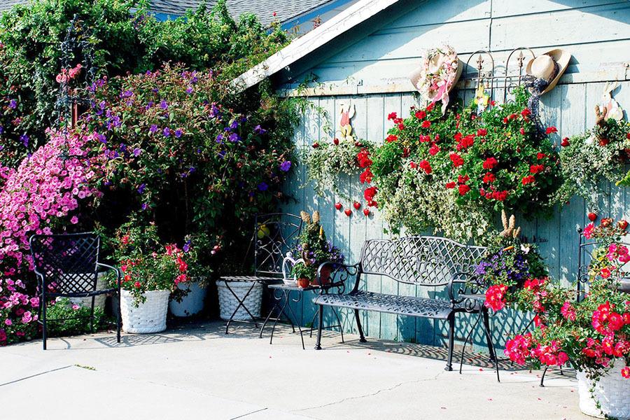 现代美式风格开放式别墅阳台装修效果图