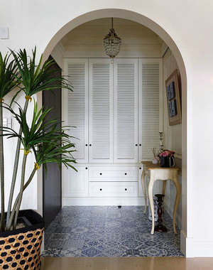 大户型地中海风格进门玄关装修实景图