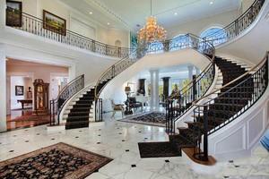 豪华欧式大户型楼梯装修效果图