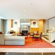 大户型现代简约风格暖色系客厅装修效果图