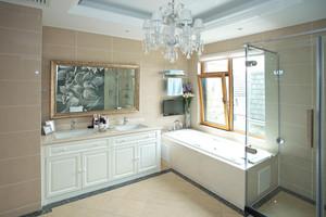 现代简欧风格大户型卫生间装修效果图