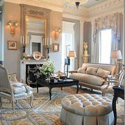 欧式风格别墅精致客厅吊灯装修实景图