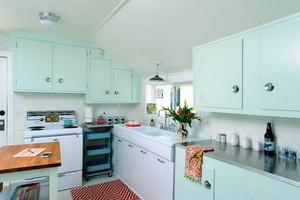 都市风格一居室厨房橱柜设计效果图