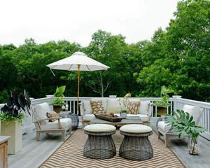 现代风格别墅露天阳台装修效果图