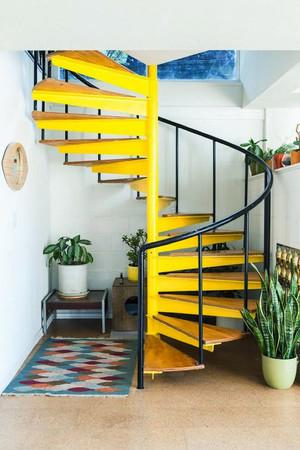 后现代风格复式楼创意楼梯设计效果图