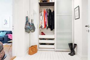 5平米北欧风格简约自然进门玄关鞋柜装修效果图