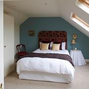 10平米北欧风格阁楼卧室装修效果图赏析