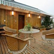 东南亚风格原木风露天阳台设计装修效果图