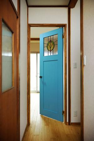 现代简约风格三居室卧室门设计效果图赏析