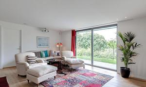 15平米北欧风格客厅落地窗设计装修效果图