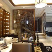 新中式风格复式楼客厅隔断装修效果图
