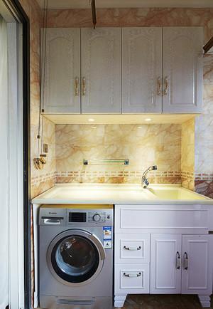 现代简约风格卫生间浴室储物柜装修效果图