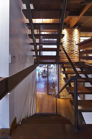 后现代简约风格复式楼实木楼梯设计装修效果图