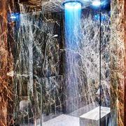 现代风格别墅大理石封闭式卫生间装修效果图赏析