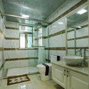 现代简约风格大户型正方形卫生间装修效果图