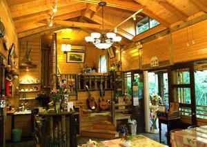 67平米东南亚风格实木咖啡屋装修效果图