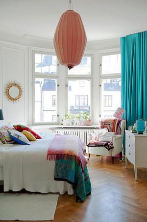 欧式风格三居室带阳台的儿童房装修效果图
