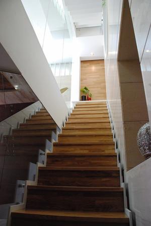 现代东南亚风格别墅室内装修效果图赏析