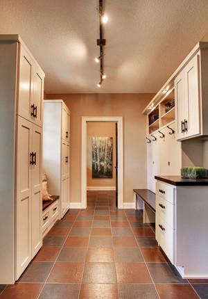欧式风格四居室玄关衣柜设计效果图鉴赏