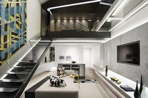后现代风格跃层客厅楼梯设计效果图