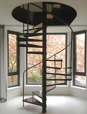 美式风格复式楼创意楼梯设计效果图