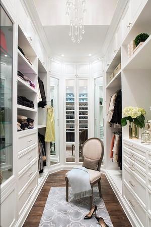 15平米欧式风格衣帽间吊顶设计装修效果图