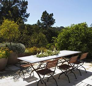 现代简约风格别墅露天阳台设计装修效果图赏析