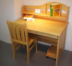 简约风格卧室学习桌装修效果图大全