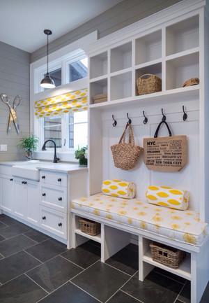 二居室唯美轻快现代地中海风格鞋柜效果图