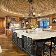 美式乡村风格别墅室内厨房吊顶装修效果图