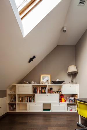 现代简约风格三室两厅带阁楼室内装修效果图赏析