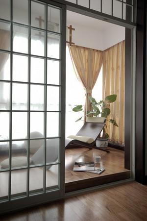 新中式风格别墅封闭式阳台装修效果图赏析