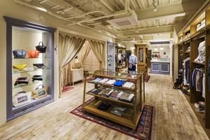 80平米现代风格服装店装修效果图鉴赏