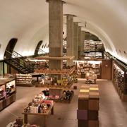 142平米后现代风格创意书店效果图赏析