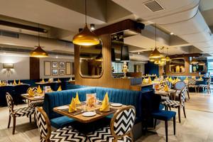 46平米现代混搭风格精致餐厅设计效果图