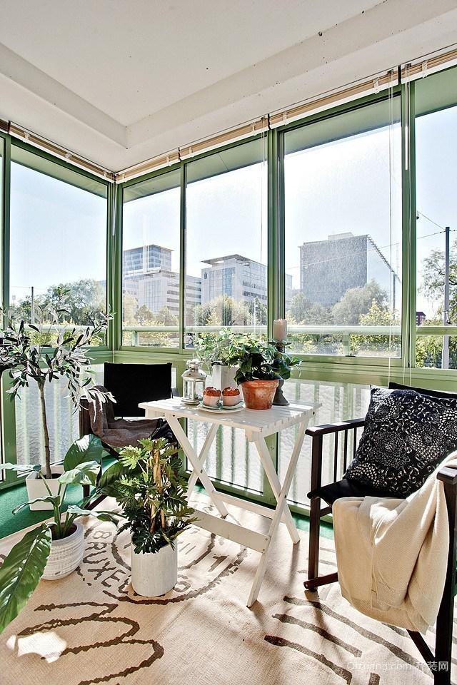 大户型精致的现代阳台装修效果图实例