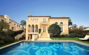 360平米欧式风格别墅家庭游泳池装修效果图鉴赏