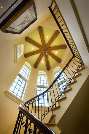 欧式风格别墅室内旋转楼梯装修效果图鉴赏