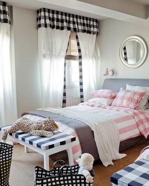 简欧风格单身公寓卧室窗帘效果图鉴赏