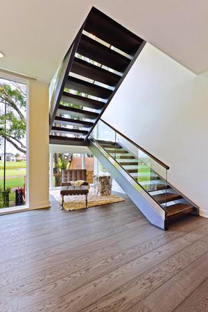后现代风格别墅楼梯装修设计效果图鉴赏