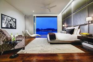 34平米后现代风格卧室吊顶设计效果图鉴赏