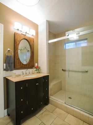 现代美式风格小户型卫生间墙砖效果图鉴赏
