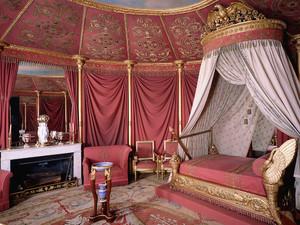 法式风格别墅女生卧室设计装修效果图赏析
