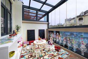 129平米现代简约风格封闭式阳台装修效果图鉴赏