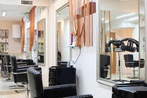 92平米现代风格美发店装修效果图赏析