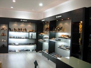 78平米现代简约风格鞋店装修效果图鉴赏