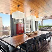 后现代风格别墅餐厅实木吊顶设计效果图赏析
